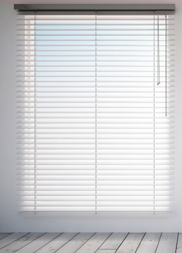 Eco-Wood/Plaswood Venetian Blinds Installation By Active Blinds Bloemfontein